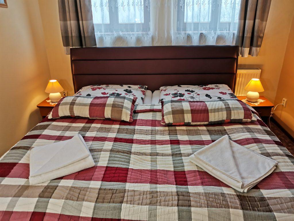 ubytovanie manželská posteľ