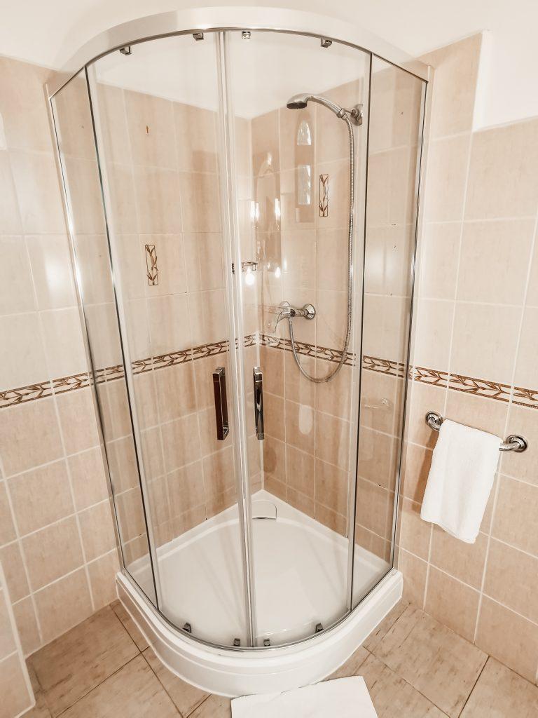 sprchovacĂ kĂşt